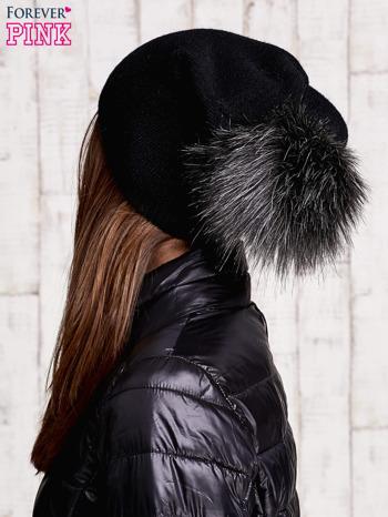 Czarna czapka z futrzanym pomponem                               zdj.                              3
