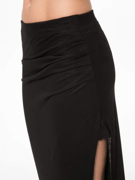 Czarna długa spódnica maxi z rozporkiem z boku                                  zdj.                                  8