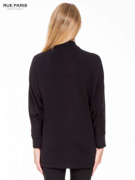 Czarna dresowa otwarta bluza z nietoperzowymi rękawami                                  zdj.                                  4