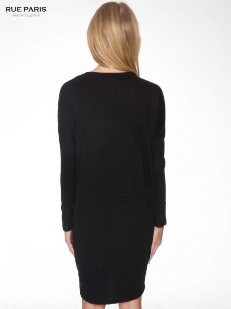 Czarna dresowa sukienka z nietoperzowymi rękawami                                  zdj.                                  4