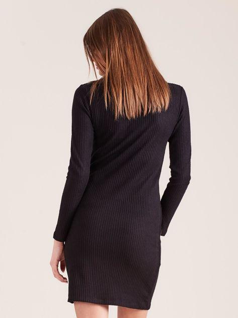 Czarna dzianinowa sukienka z golfem                              zdj.                              2