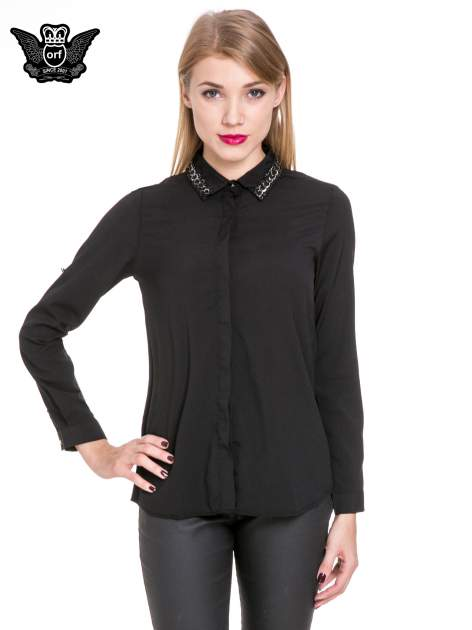 Czarna elegancka koszula z łańcuszkami na kołnierzyku