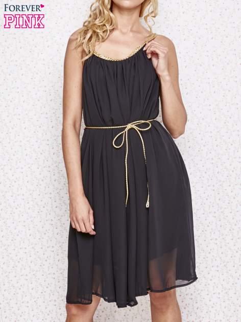Czarna grecka sukienka ze złotym paskiem                                  zdj.                                  1