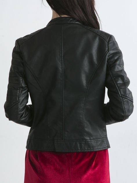 Czarna kurtka damska biker w motocyklowym stylu                               zdj.                              4