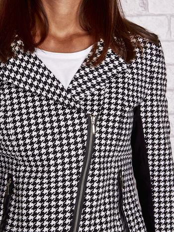 Czarna kurtka ramoneska w pepitkę ze skórzanymi wstawkami                                  zdj.                                  5