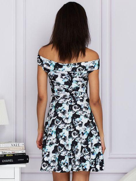 Czarna kwiatowa sukienka z rozkloszowanym dołem                              zdj.                              2