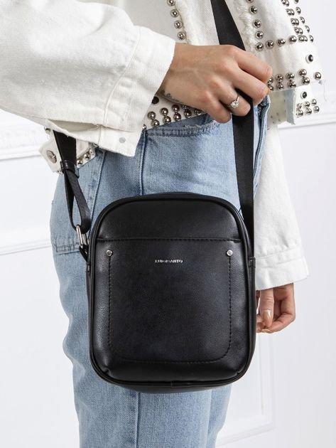 Czarna mała torebka z ekoskóry