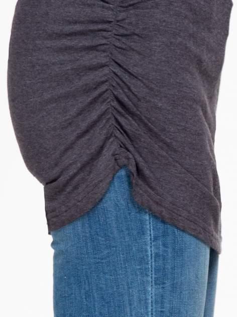 Czarna melanżowa bluzka tunika z marszczonym dołem                                  zdj.                                  7