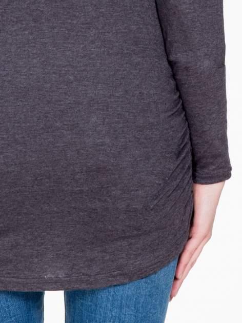 Czarna melanżowa bluzka tunika z marszczonym dołem                                  zdj.                                  9