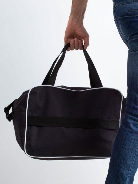 Czarna męska torba podróżna                              zdj.                              2