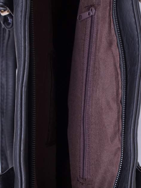 Czarna miejska torba z ozdobnymi klamrami                                  zdj.                                  4
