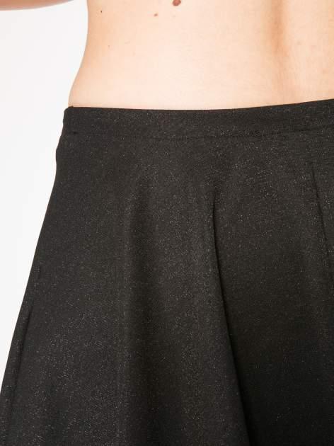 Czarna mini spódniczka przeplatana błyszczącą nicią                                  zdj.                                  6
