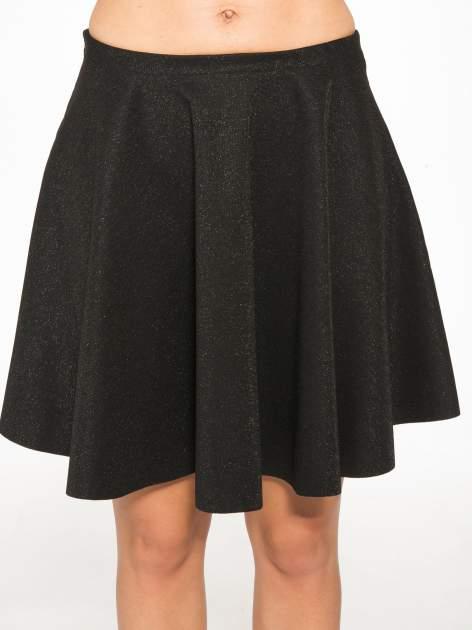 Czarna mini spódniczka przeplatana błyszczącą nicią                                  zdj.                                  8