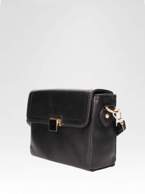 Czarna mini torebka listonoszka z klapką                                  zdj.                                  3