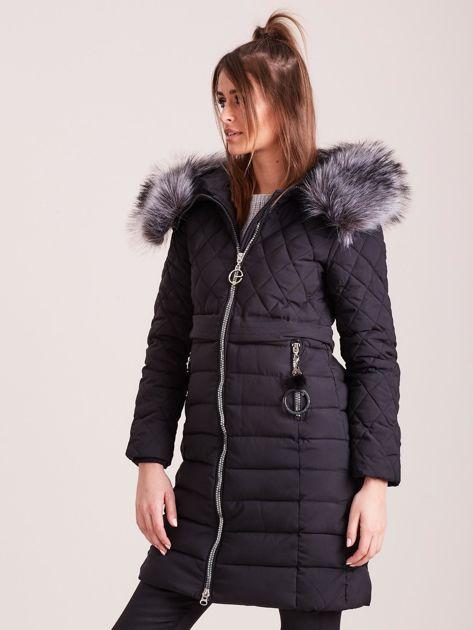 Czarna pikowana kurtka zimowa                              zdj.                              3