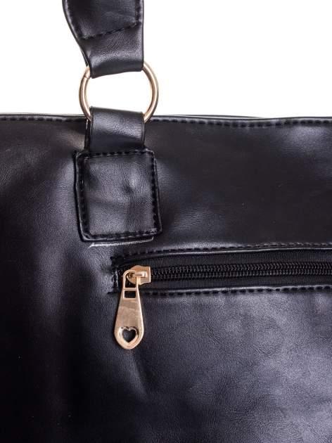 Czarna pikowana torba na ramię                                  zdj.                                  8