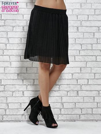 Czarna plisowana spódnica do kolan                                  zdj.                                  3