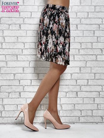 Czarna plisowana spódnica w kwiaty                                  zdj.                                  4