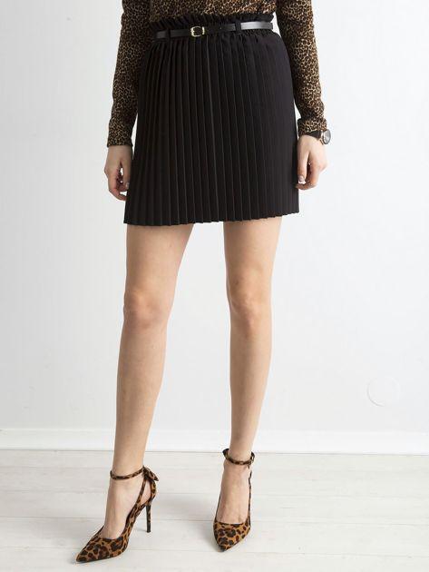 Czarna plisowana spódnica z paskiem                              zdj.                              5