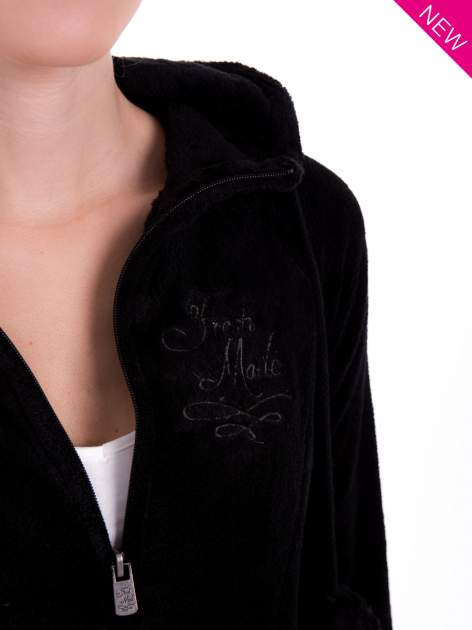 Czarna pluszowa bluza z kapturem z uszkami i pomponami                                  zdj.                                  7
