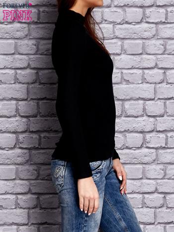 Czarna prążkowana bluzka z półgolfem                              zdj.                              4
