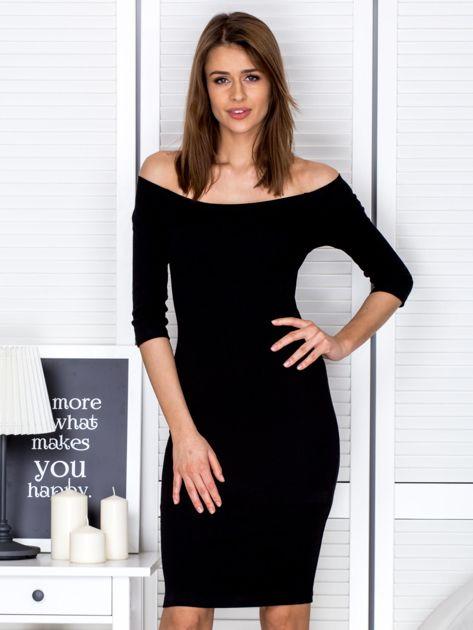 Czarna prążkowana sukienka odsłaniająca ramiona                              zdj.                              1
