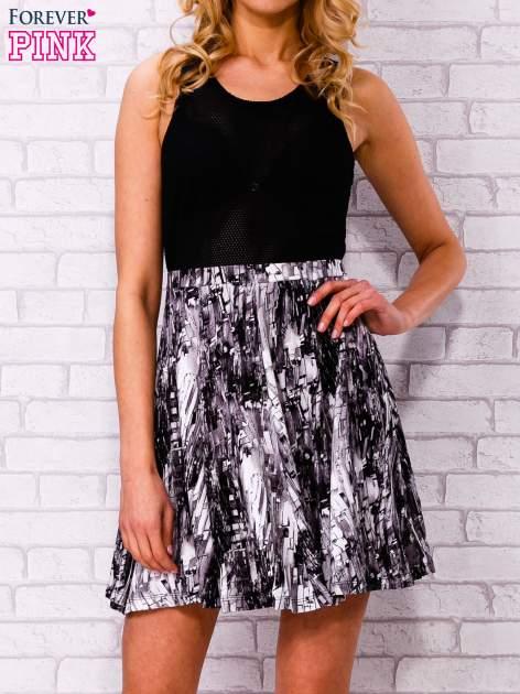 Czarna siatkowa sukienka z grafitowym dołem                                  zdj.                                  1