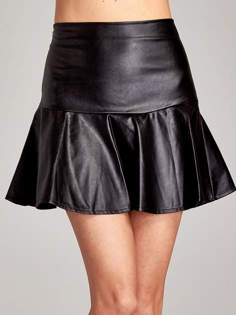 Czarna skórzana spódnica mini z falbaną                                  zdj.                                  5