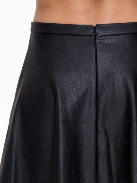 Czarna skórzana spódniczka przed kolano                                  zdj.                                  7