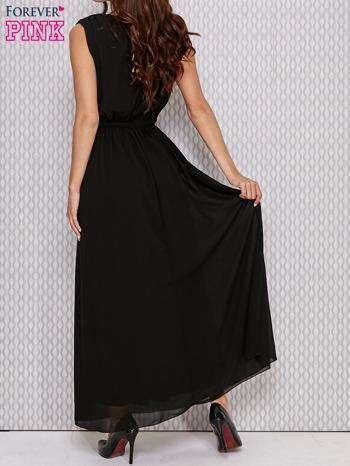 Czarna sukienka maxi z biżuteryjnym pasem                                  zdj.                                  2