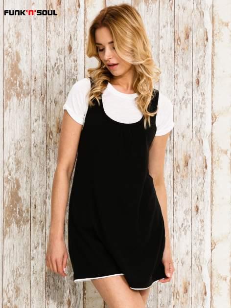 Czarna sukienka na szerokich ramiączkach                                  zdj.                                  1