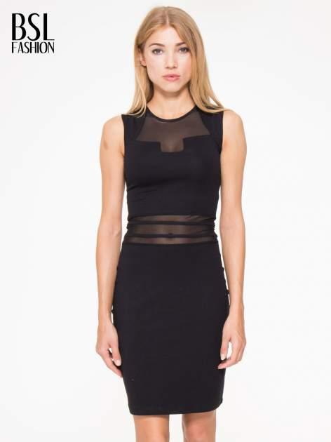 Czarna sukienka tuba z tiulowymi wycięciami                                  zdj.                                  1