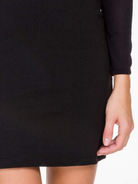 Czarna sukienka tuba z transparentnymi modułami                                  zdj.                                  6