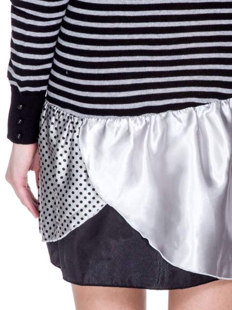 Czarna sukienka w paski z baskinką z tkaniny                                  zdj.                                  8