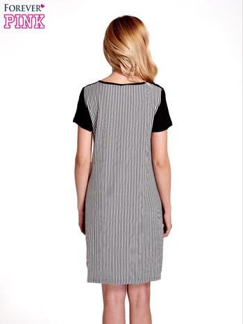 Czarna sukienka w pionowe drobne paski                                  zdj.                                  4