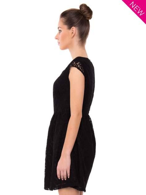 Czarna sukienka wieczorowa z koronką                                  zdj.                                  3