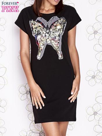 Czarna sukienka z cekinowym motylem                                  zdj.                                  1