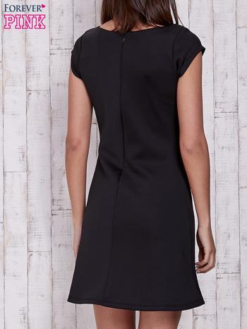 Czarna sukienka z dekoltem cut out                                  zdj.                                  2