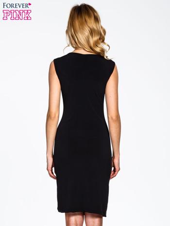 Czarna sukienka z drapowaniem                                  zdj.                                  4
