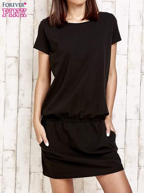 Czarna sukienka z kieszonkami