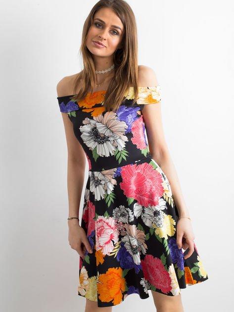 Czarna sukienka z kolorowym kwiatowym deseniem                              zdj.                              1
