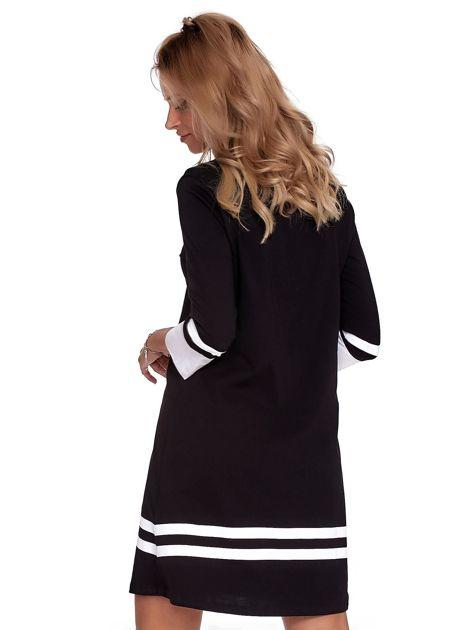 Czarna sukienka z kontrastowymi wstawkami                              zdj.                              5