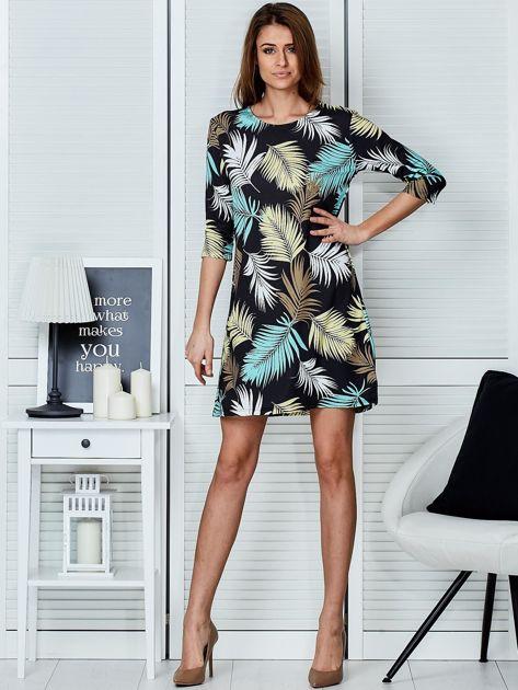 Czarna sukienka z motywem palmowych liści                              zdj.                              4