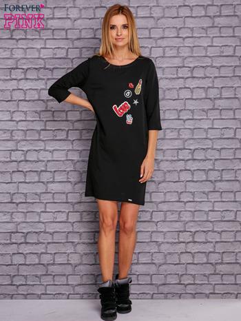 Czarna sukienka z naszywkami                                  zdj.                                  4