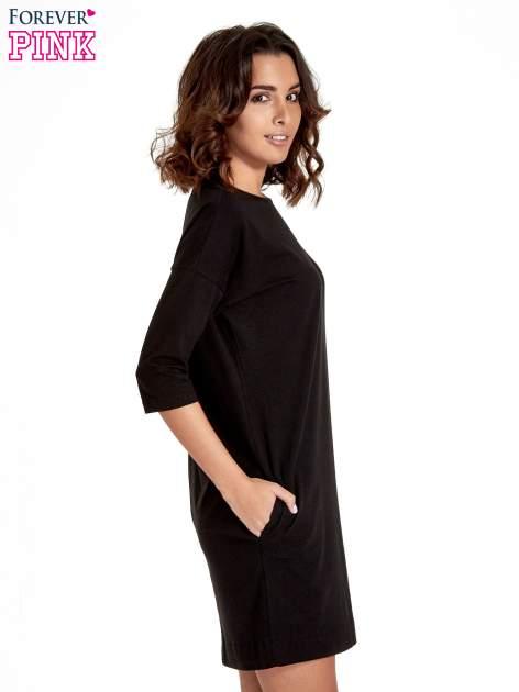 Czarna sukienka z rękawem za łokieć                                  zdj.                                  3