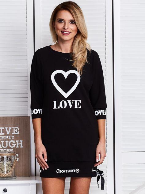 Czarna sukienka z sercem                              zdj.                              1