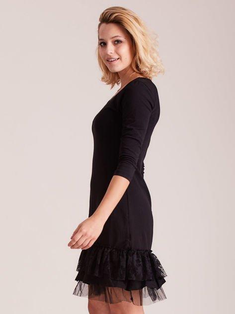 Czarna sukienka z tiulem i koronkową falbaną                                  zdj.                                  2