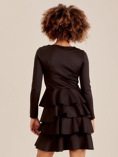Czarna sukienka z warstwowymi falbanami                              zdj.                              2