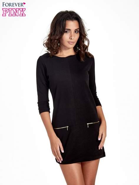 Czarna sukienka ze złotymi suwakami                                  zdj.                                  1