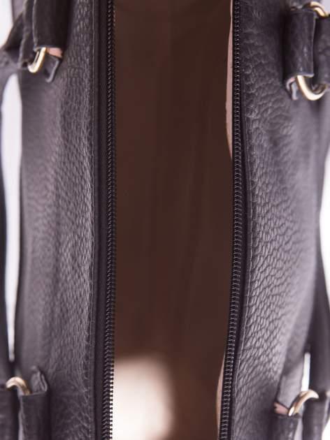 Czarna torba bowling ze złotymi dżetami                                  zdj.                                  5